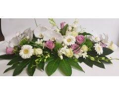 decoration table allonge fleurs parme et blanc