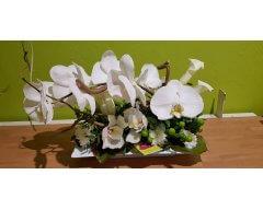 decoration table allonge fleurs phalaenospsis blanc