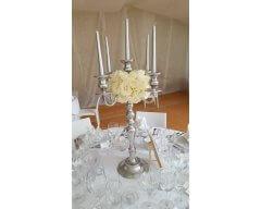 decoration table chandelier boule de roses blanche