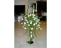 decoration table chandelier fleurs lisianthus lierre