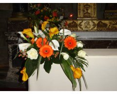 decoration eglise composition autel orange et blanc