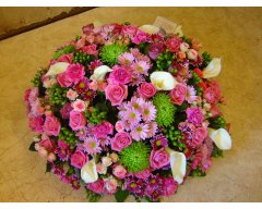composition florale deuil coussin rond rose blanc rose