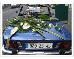 Décoration capot de véhicule mariage