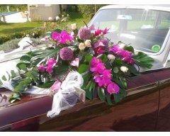 decoration vehicule rolls royce fleurs fuchsia